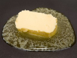 Schmelzende Butter in einer Pfanne